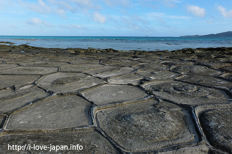 Tatami Rocks(Ou island,Oujima)@Kume island(Okinawa)