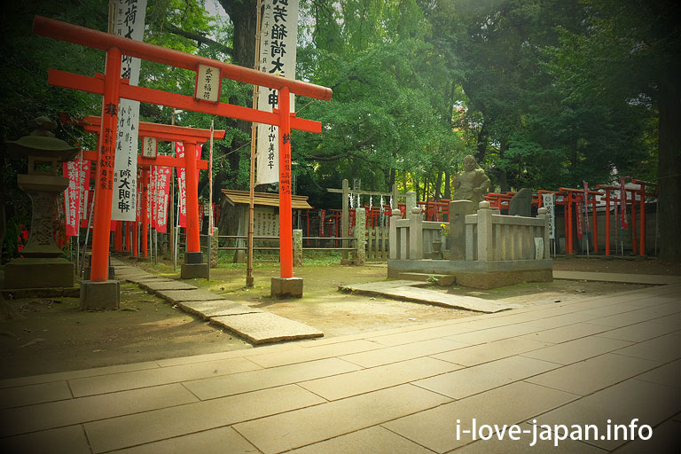 Takeyoshi-Inari-jinja in Kishimojin(Toshima-ku)