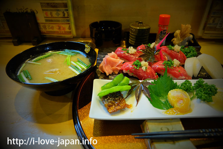 Kumamoto specialty! Horse sashimi sushi! !