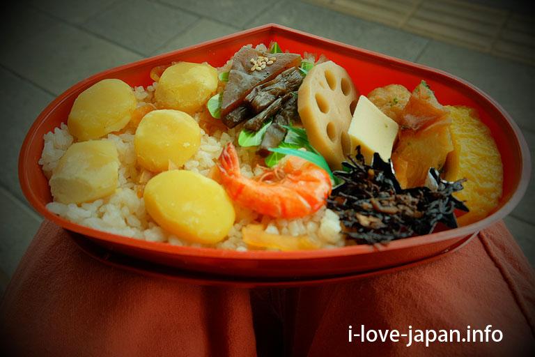 Chestnut lunch box at Hitoyoshi Station lunch Yamaguchi