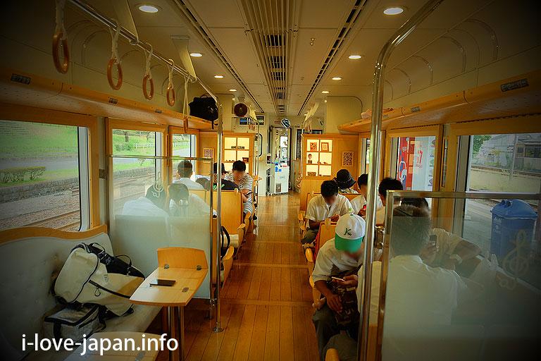 """Okadome-Kofuku Station"" of the Kuma River railway"