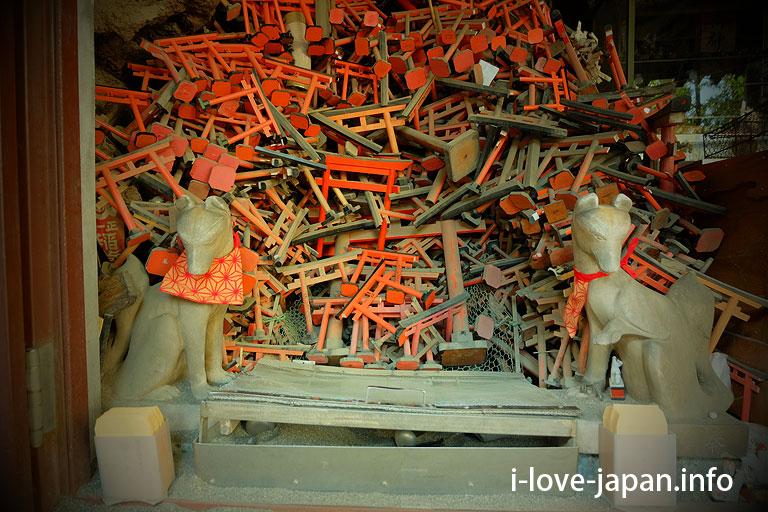 Anamori-Inari-Shrine(near Haneda Air port)Ota-ku,Tokyo