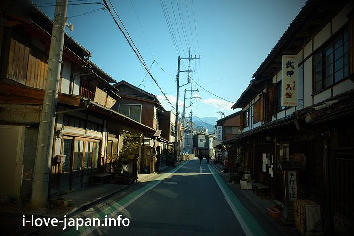 Kuromon-dori street in Chichibu