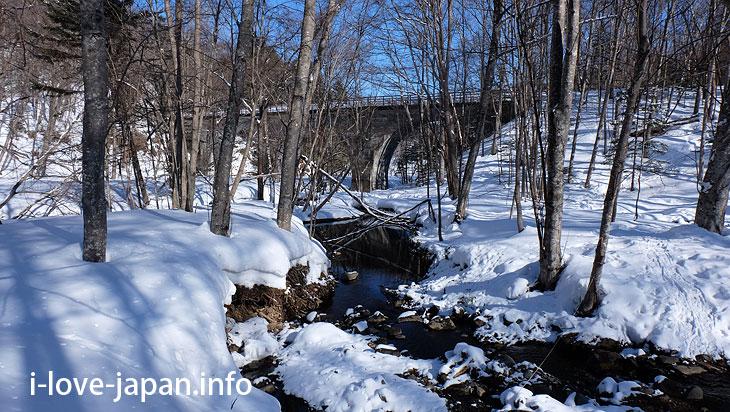 Nature trail to Nukabira river bridge