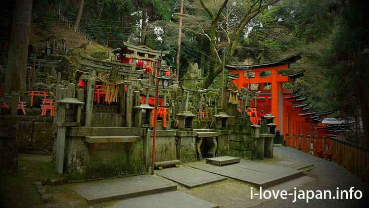 "There are many ""Otuka"" beside the approach path@Fushimi Inari Taisha(Shrine)"