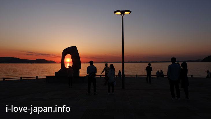 Watching sunset at Sunport Takamatsu@Sightseeing Area naer Takamatsu station,Takamatsu port(Kagawa)