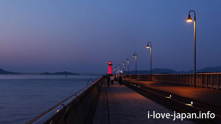 Takamatsu Port Tamago Alloy Breakwave Lighthouse (Red Lighthouse)@Sightseeing Area naer Takamatsu station,Takamatsu port(Kagawa)
