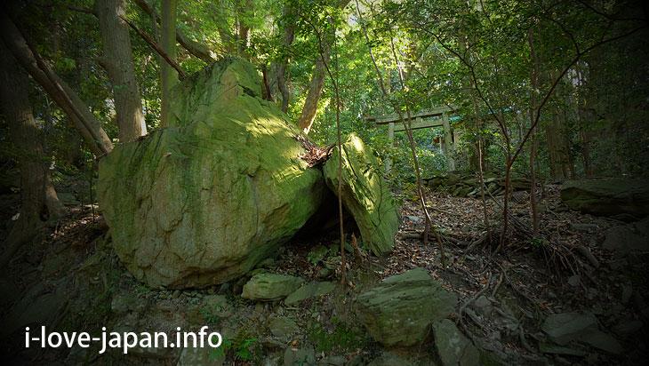 Toyomine Gongensya Sharine@Not Only Teshima Art Museum But Also Many Sightseeing Spots in Teshima island(Kagawa)