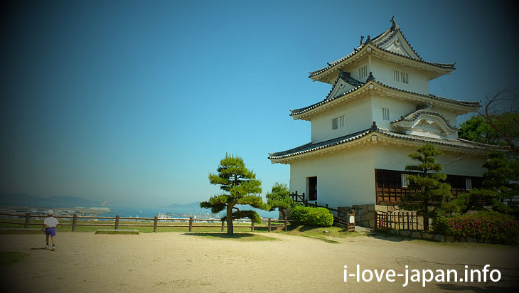 "Famous for Stone Wall ""Marugame Castle"""