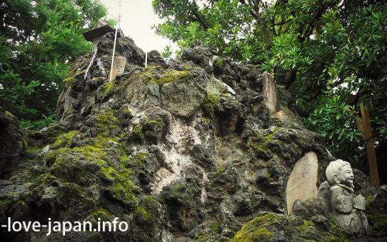 """On July 1, I climbed """"Ikebukuro-Fuji-duka"""" at Ikebukuro Hikawa Shrine (Toshima-ku, Tokyo)"""